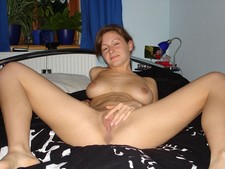 Mature wife spreading legs and showing her sweet cunt
