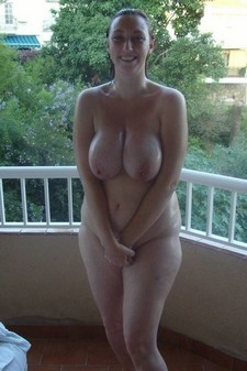 Stunning big tits in hot novice photo.