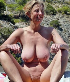 Perverse blonde pure mature nudist with huge natural boobs busty boobs sexy body big..