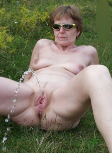 Milf and Mature outdoor pissing
