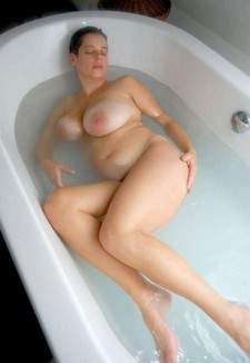 Lovely BBW in the bath