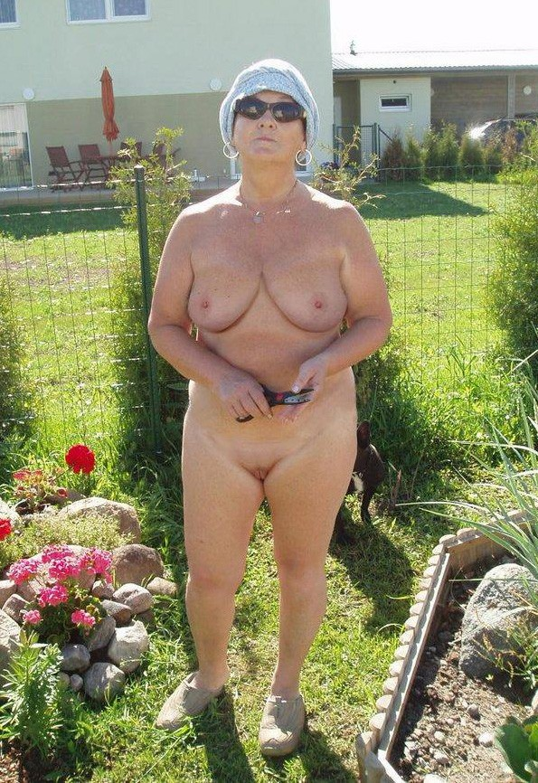 mature tube outdoor exhibitionist