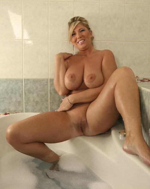 Quite Porn sex in the bath all