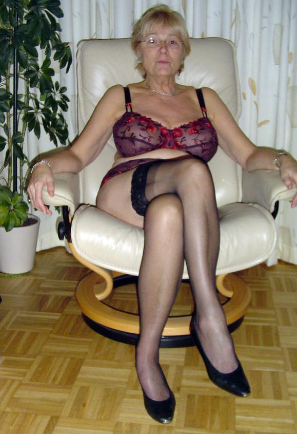 50 plus mature needs deep dicking 2