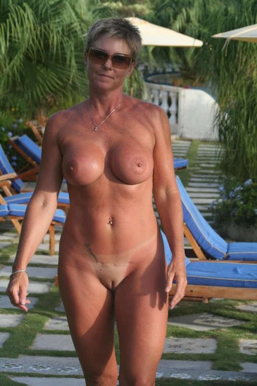 Stunning Mature Sex Videos 14