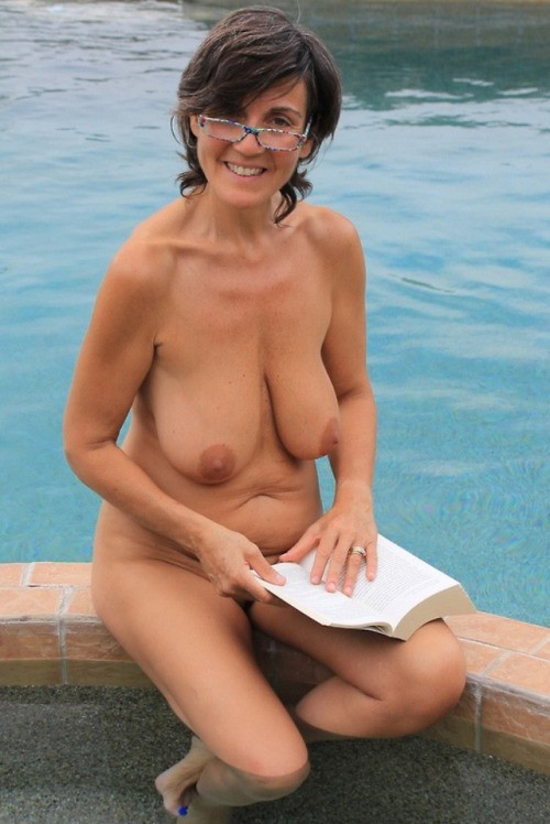 Granny Nudist Pics Full 16